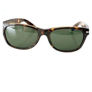 Ray-Ban New Wayfarer Sunglasses!